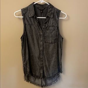 Rock & Republic XS sleeveless black washed shirt